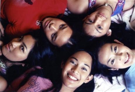 Potret remaja Indonesia dalam film Ada Apa dengan Cinta - sumber foto: kawankumagz.com