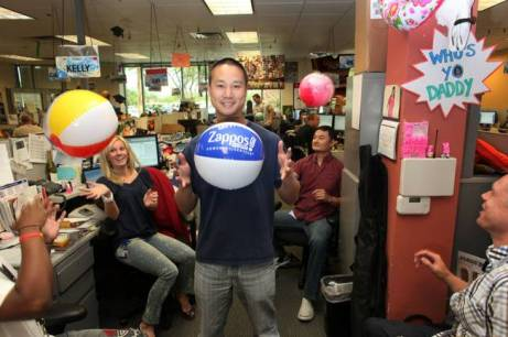 Zappos' Tony Hsieh - pic source: cooleaf.com