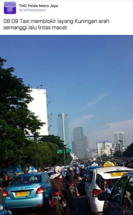 Blog Andika Priyandana - Informasi pemblokiran jalan oleh TMC Polda Metro Jaya
