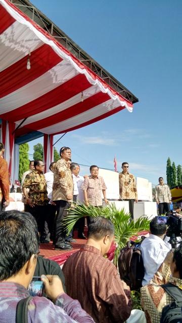 Blog Andika Priyandana - JK dan rombongan seusai menyaksikan Gerhana Matahari Total